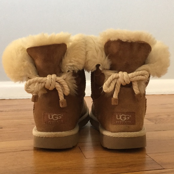 ecb7dadb1c3 UGG Chestnut Selene boots
